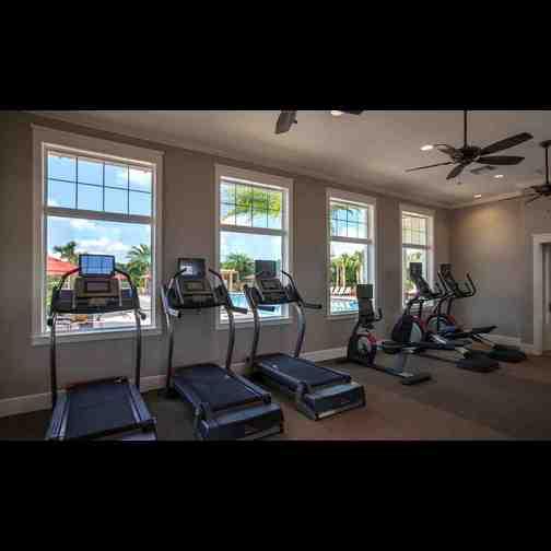 Ftiness Center Randal Park Fitness