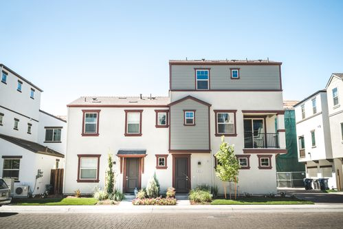 waterfront homes in new communities in sacramento