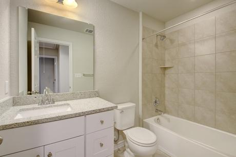 Bathroom-in-Concho-at-Willow Creek-in-San Marcos