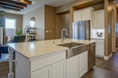 Kitchen-in-The Victoria-at-Lomas Encantadas-in-Rio Rancho