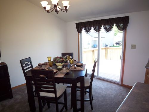 Dining-in-Parkwood-at-Lake & Porter Counties-in-Merrillville