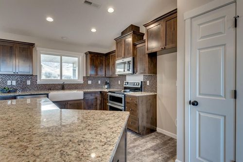 Kitchen-in-The Winchester - Build On Your Lot-at-Mid Willamette Valley-in-Creswell