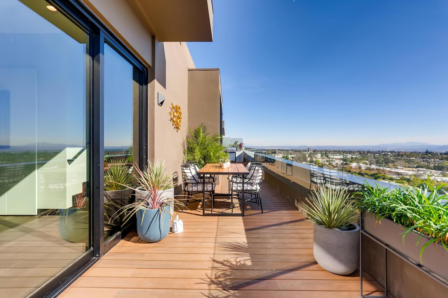 Exterior featured in the Penthouse 6 By Adept Urban  in Los Angeles, CA
