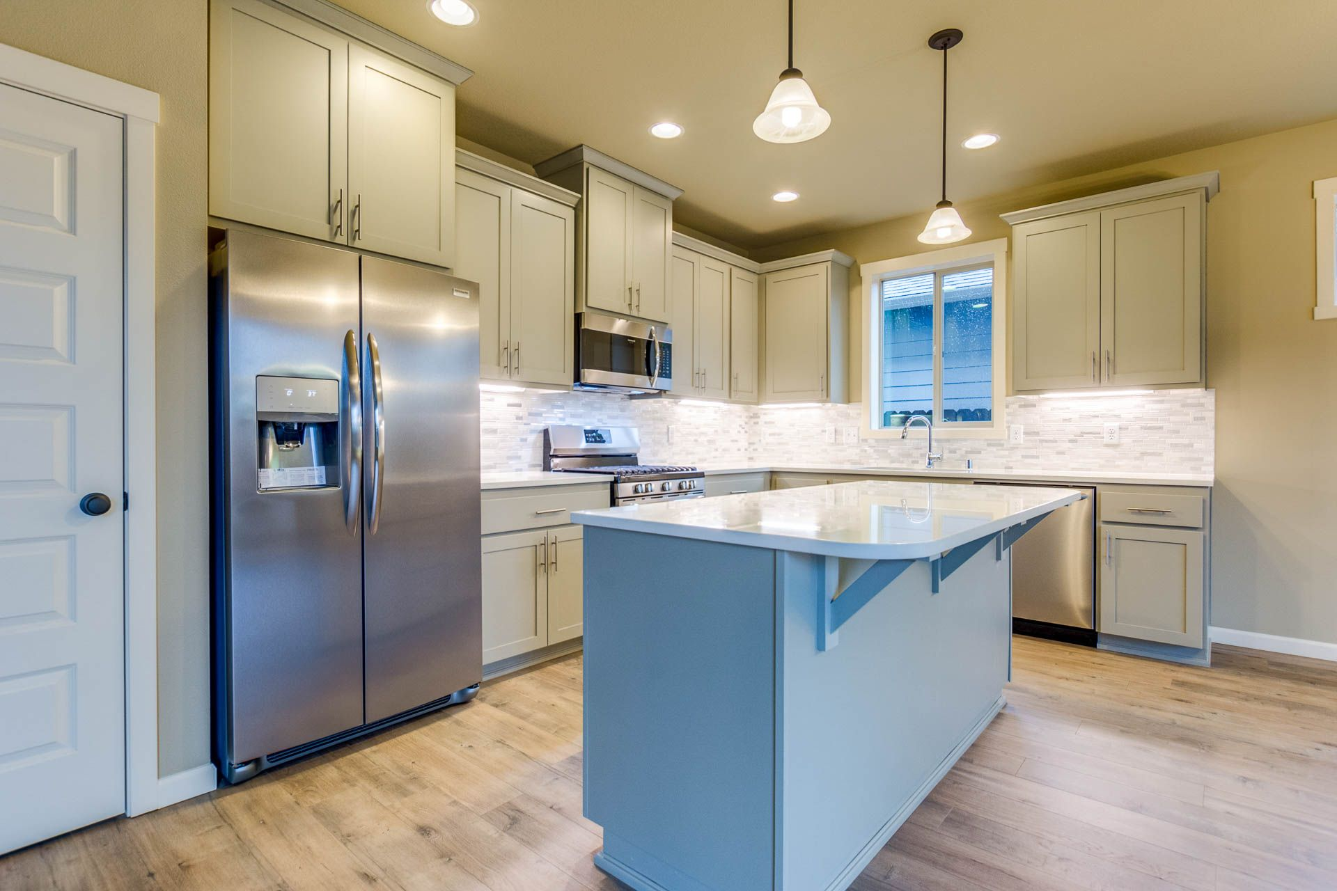 'Hidden Crest Phase 1 & 2' by Aho Construction I, Inc. in Portland-Vancouver