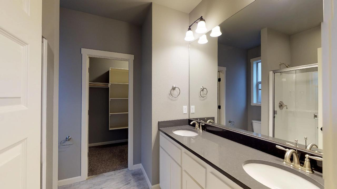 Bathroom featured in the 1549 By Aho Construction I, Inc. in Richland, WA