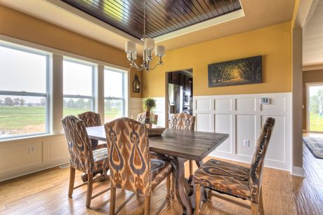 Dining-in-Traditions 3100 V8.0c-at-Byram Ridge-in-Linden