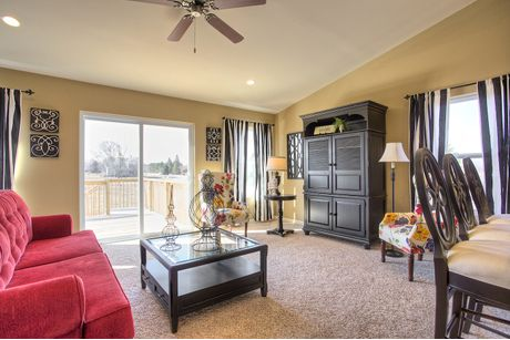 Greatroom-in-Classics 2040-at-Meadow Ridge-in-Holt