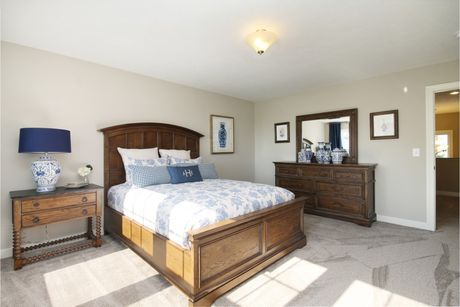 Bedroom-in-Elements 2700-at-Long Lake Village-in-Ortonville