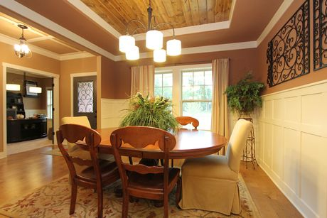 Dining-in-Traditions 2300 V8.0b-at-Hidden Lake Reserve-in-Elkhart
