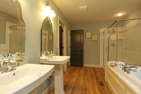 Bathroom-in-Traditions 2300 V8.0b-at-The Gardens-in-Mason