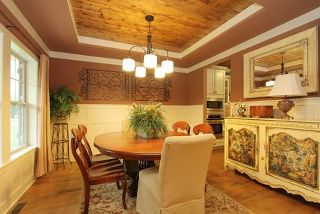 Dining-in-Traditions 2300 V8.0b-at-Golden Pond-in-Elkhart