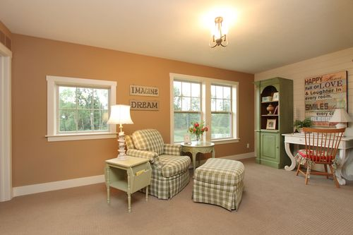 Study-in-Traditions 2300 V8.0b-at-Estates at Longmeadow-in-Niles