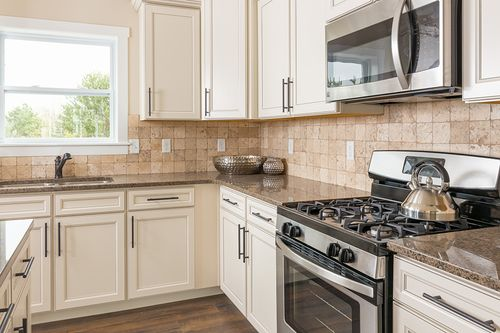 Kitchen-in-Traditions 2330 V8.0b-at-Glenmoor Manor-in-Holt
