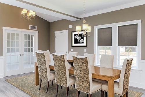 Dining-in-Traditions 2350 V8.0b-at-Estates at Longmeadow-in-Niles