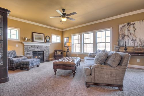 Greatroom-in-Traditions 2800 V8.0b-at-Estates at Longmeadow-in-Niles