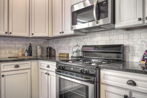 Kitchen-in-Traditions 2800 V8.0b-at-Glenmoor Manor-in-Holt