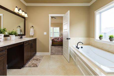 Bathroom-in-Traditions 2900 V8.2b-at-The Gardens-in-Mason