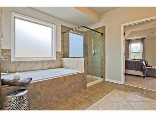 Bathroom-in-The Charleston-at-Wildflower Park-in-Auburn