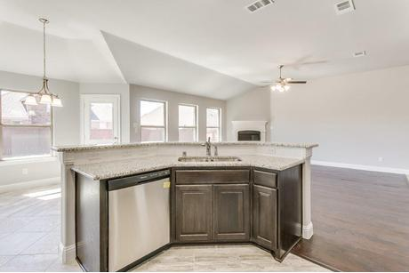 Kitchen-in-Jefferson-at-Eagle Ridge-in-Forney