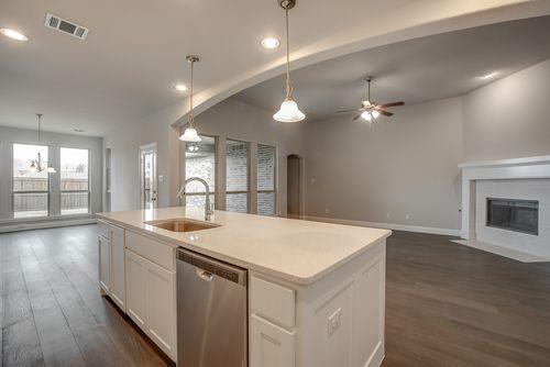 Kitchen-in-Plan 1628-at-Wildridge - 60s-in-Oak Point
