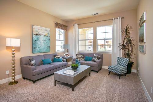 Greatroom-in-The Santa Cruz-at-Southbrook-in-Los Banos