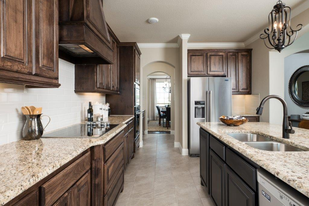 Kitchen-in-3135-at-The Estates at North Grove-in-Waxahachie
