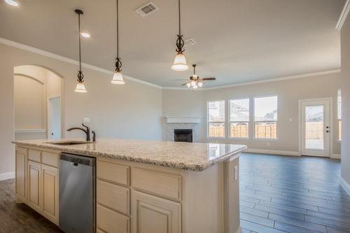 Kitchen-in-2671-at-Whitestone Crest-in-Benbrook