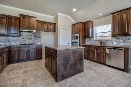 Kitchen-in-2027-at-Chisholm Trail Ranch-in-Fort Worth