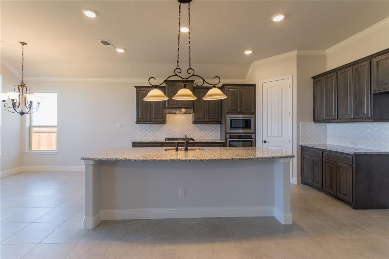 Kitchen-in-2267-at-The Cove at North Grove-in-Waxahachie