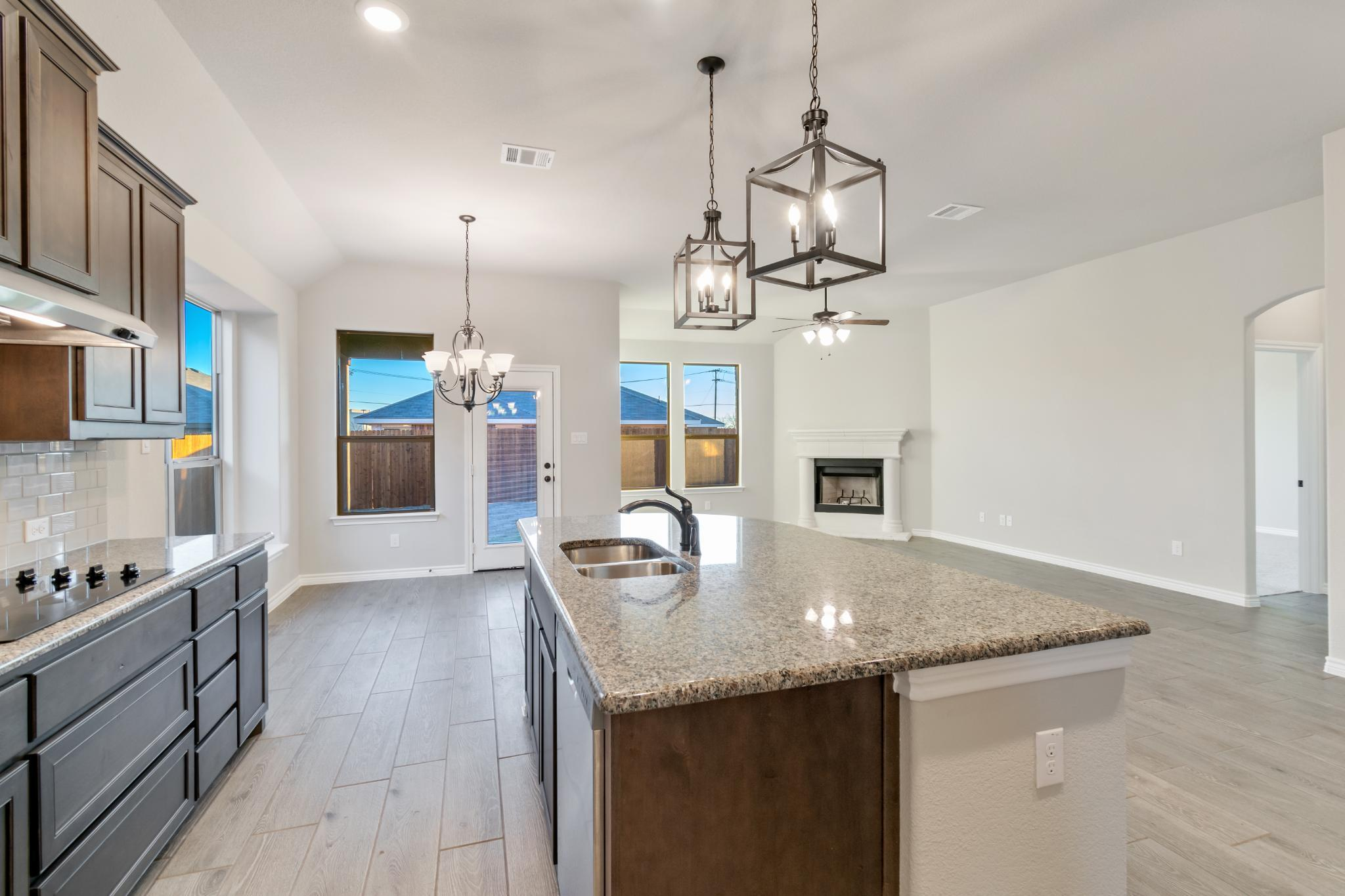 Kitchen featured in the 2001 By Antares Homes in Fort Worth, TX