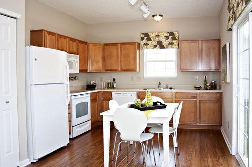 Kitchen-in-Ashton-at-Maple Trails-in-Pendleton