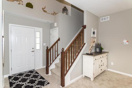 Stairway-in-Aspen-at-Wyndstone-in-Fortville