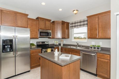 Kitchen-in-Aspen-at-Wyndstone-in-Fortville
