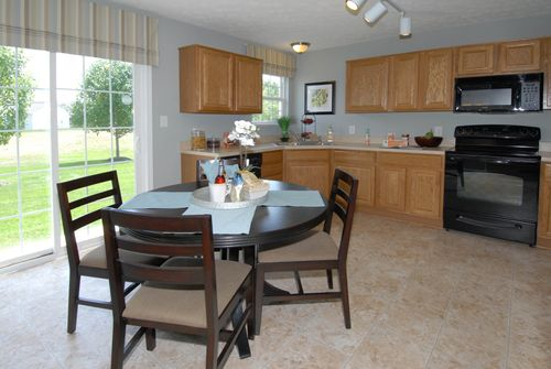 Kitchen-in-Magnolia-at-Maple Trails-in-Pendleton