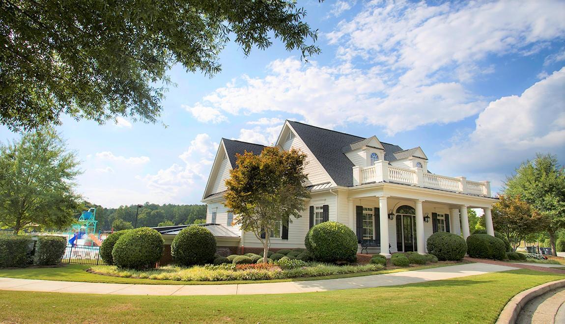 'Heritage Pointe at The Georgian' by Artisan Built Communities in Atlanta
