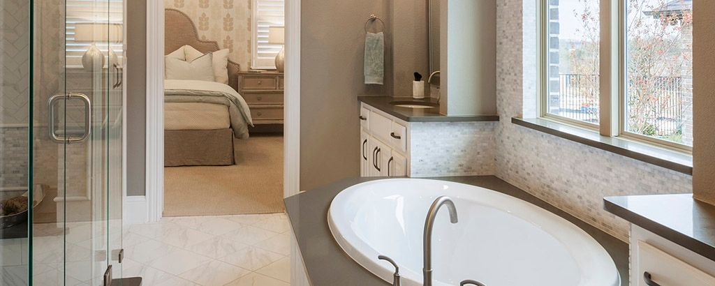 Bathroom-in-Sawgrass-at-University Place-in-Dallas