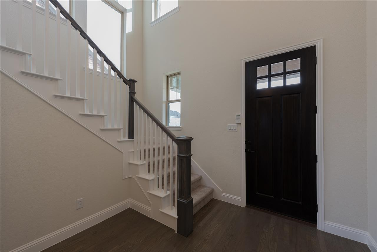 Foyer-in-Jamison-at-Southern Hills-in-McKinney