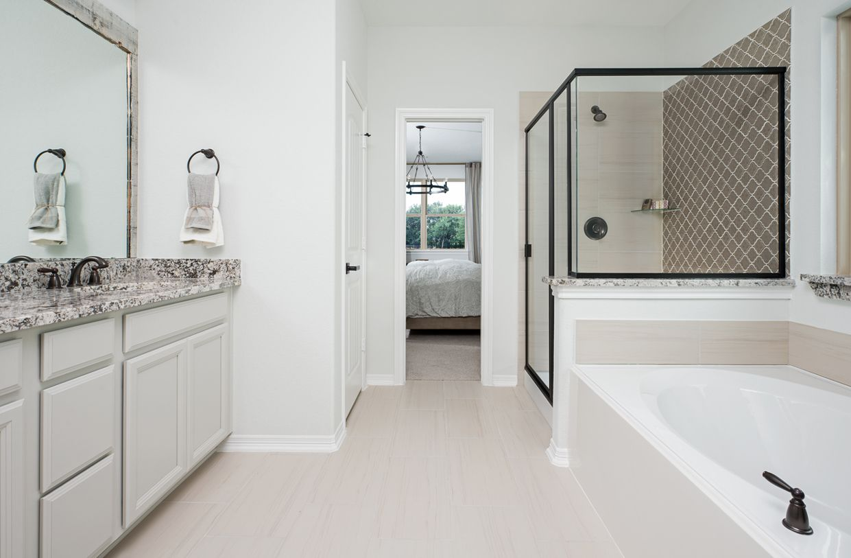 Bathroom-in-Thames-at-Balmoral-in-Humble