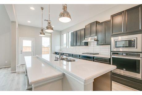 Kitchen-in-Christopher-at-Lakes of Bella Terra-in-Richmond