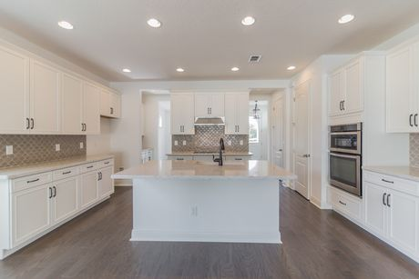 Kitchen-in-Sheffield-at-Laureate Park-in-Orlando