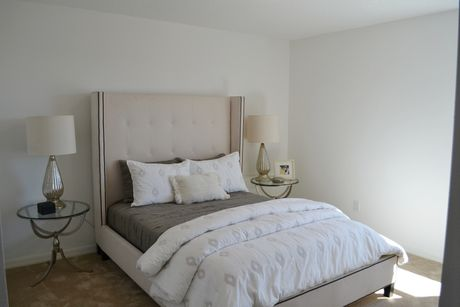 Bedroom-in-Teton-at-Serenoa-in-Clermont