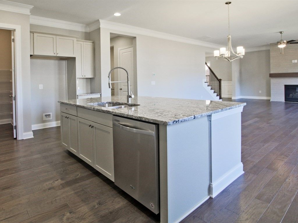 Kitchen-in-Branson-at-Serenade-in-Alpharetta