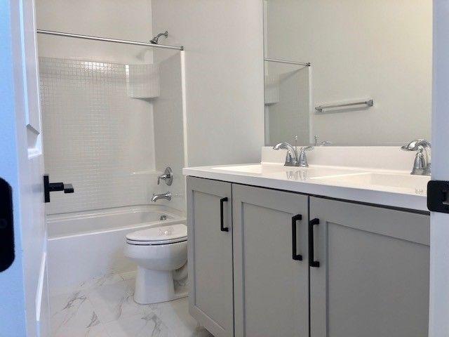 Bathroom-in-Pinnacle-at-Parkview-in-Chandler