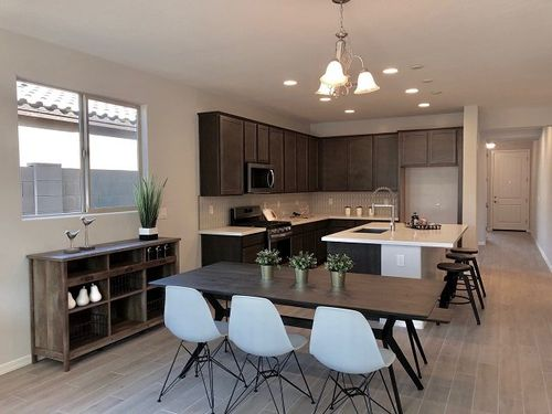 Kitchen-in-Palo Verde-at-Marley Park-in-Surprise
