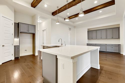 Kitchen-in-Avalon-at-Highpointe-in-Austin