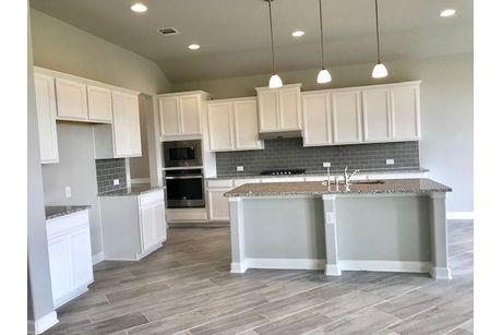 Kitchen-in-Kerrville-at-Waterford Park-in-San Antonio