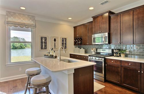 Kitchen-in-Madison-at-Hunt Club-in-Pooler