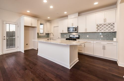 Kitchen-in-Cleveland-at-Hunt Club-in-Pooler