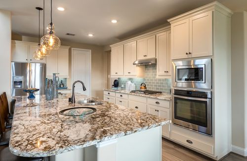 Kitchen-in-Gruene-at-Bluewater Lakes-in-Manvel