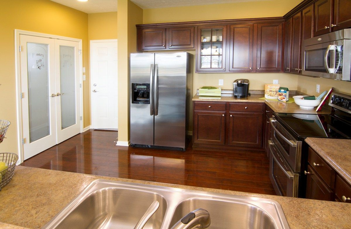 Kitchen-in-Hartford-at-Shadow Creek Farms-in-Columbus